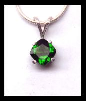 Chrome Diopside Pendant by manwithashadow