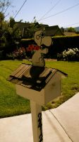Snoopy Mail box by FranklinTHEturtle