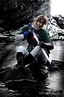 Link Cosplay - Preparing The Sword by Eressea-sama