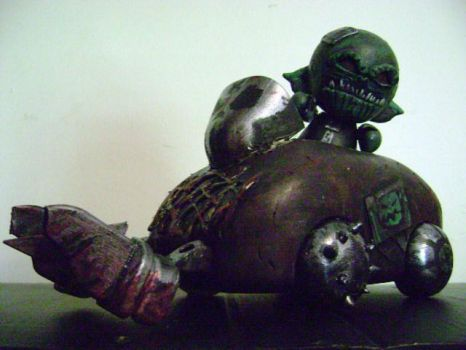 Ork in a Trukk Munny by jonathanscarecrow