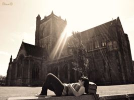 Resting next to Paisley Abbey by florpurpura