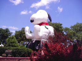 The Giant Snoopy of Dorney oO by megan-the-Speeddemon