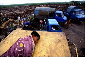 Life at dumpyard 1 by GMBAkash