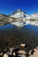 Reflection of Banner Peak by porbital