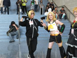 Anime Expo 2013: Day 1- Len and Rin by JamesLehane