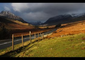 Ogwen Valley... by Miderska