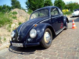 VW Beatle by someoneabletofindana