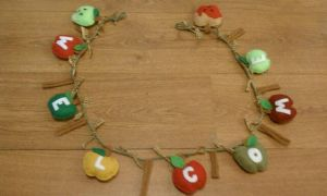 Felt Apple and Spice Garland by Gd00dle