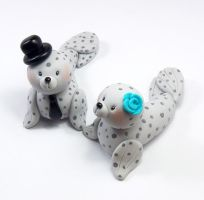 Harbor Seals Wedding Cake Topper by HeartshapedCreations