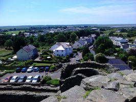 view from the Kidwelly Castle tower by Rashirou