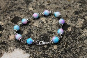 Stunning Pink and Blue Glass Beaded Bracelet by Clerdy