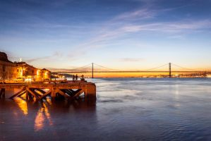 Lisbon at night by StonyStoneIsStoned2
