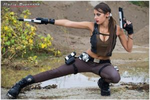 Tomb Raider Underworld - action pose by FuinurCroft