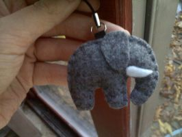 Elephant keychain by melliloquence