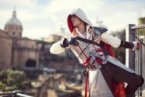Ezio Auditore in Rome - Cosplay Assassin's Creed 2 by LeonChiroCosplayArt