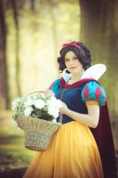 Snow White by LouCosplay