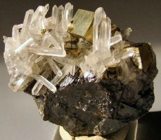quartz crystals by cl2007