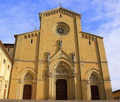 Arezzo's Cathedral by frei76