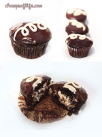 Faux Hostess Cupcakes by chompsoflife