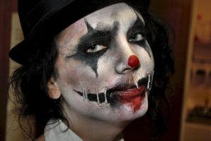 Scary Clown - Halloween makeup by Tyrannika