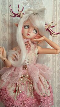 Doll in mind flowne by Atelier-Cynamon