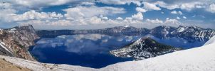 Crater Lake: Panorama by j-ouroboros