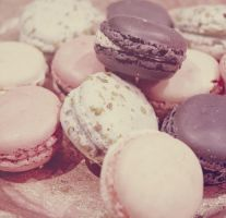 Macarons mignons, tout rondsII by Cumulonymbus