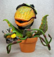 Audrey II loves Wall-E by mangrasshopper