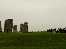 Stonehenge Crowds by prudentia