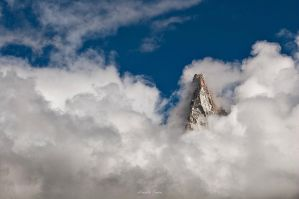 Rising above by Zwoing