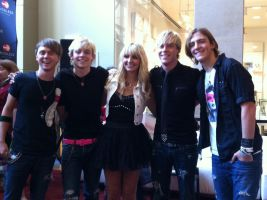 R5! (ROSS WAS STARING AT MY CAMERA!) by MatriannaRawwkz