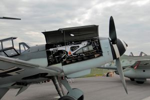 Messerschmitt Me 109 G-4 engine by gurkenhals