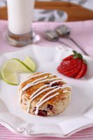 Strawberry and lime scones by kupenska