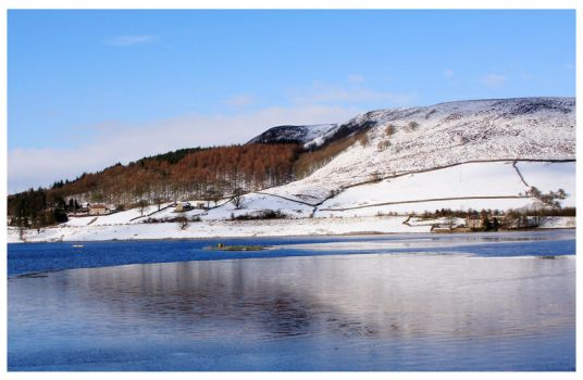 Ladybower in Winter by mzkate