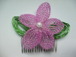 Seed bead flower hair comb by Ilyere