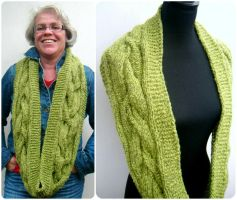 Grass green loop scarf by PolClary