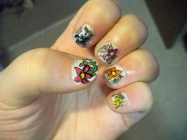 Flower Nails by bueatiful-failure
