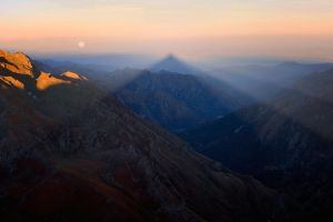 Shadow and Moon by RobertoBertero