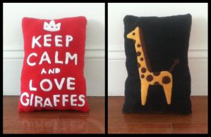 Giraffe Pillow by tofuskin21