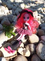 (MLP) Equestria Girl Pinkie at the Rock Farm by KrazyKari
