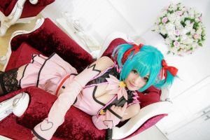 Vocaloid Heart Hunter - Miku by Xeno-Photography