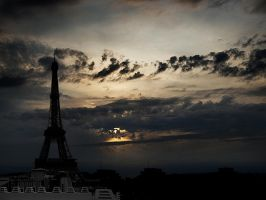 the magic of Paris by VaggelisFragiadakis