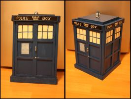 TARDIS OF DOCTOR WHO by Lari--Chan