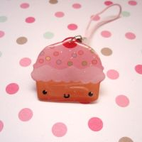 Cupcakie cell phone charm by chibigon