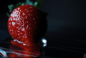 Strawberry by annamorphic