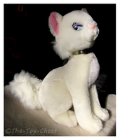 Disney Theme Parks Aristocats Duchess Plush by The-Toy-Chest