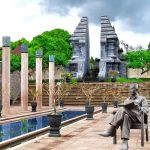 towards the tomb of Bung Karno Proclaimer by divanside