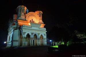 St. Nicholas Cathedral at night by AlecsPS