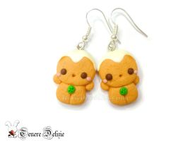 Kawaii gingerbread man earrings for Christmas by TenereDelizie