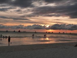 Boracay Sunset. by veridisquotwo